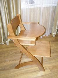 Разработан детский стульчик-трансформер из натурального дерева